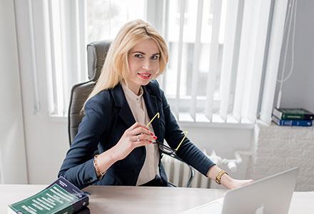 Radca prawny czy Adwokat? – Katarzyna Borowa – o wygrywaniu spraw.